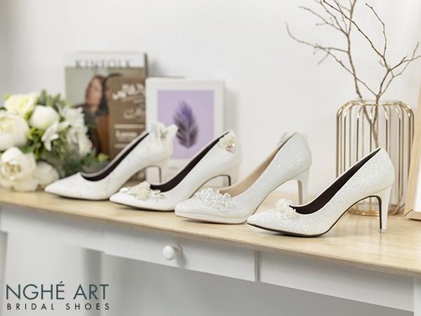 Bộ sưu tập White on White