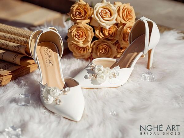 10 kiểu giày cao gót đẹp mà phụ nữ cần biết (P1)