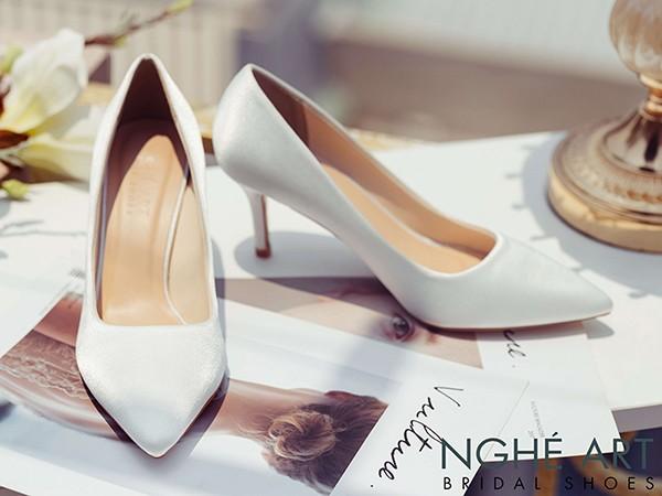 Giày Basic Chất Lụa Satin - kiểu giày không thể thiếu trong tủ đồ của các cô nàng Trendy