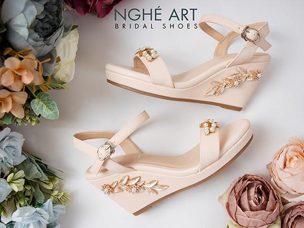 Những mẫu giày cưới đế xuồng nhà Nghé Art cho cô dâu thích sự khác biệt