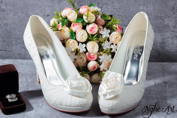 Giày cưới hoa hồng trắng 066 - 10 phân
