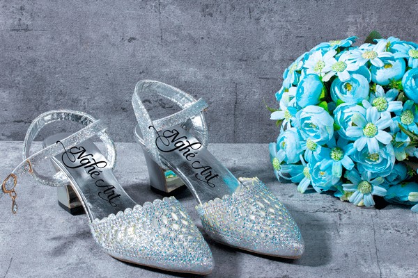Giày cưới quai nhũ bạc 135 - 7 phân