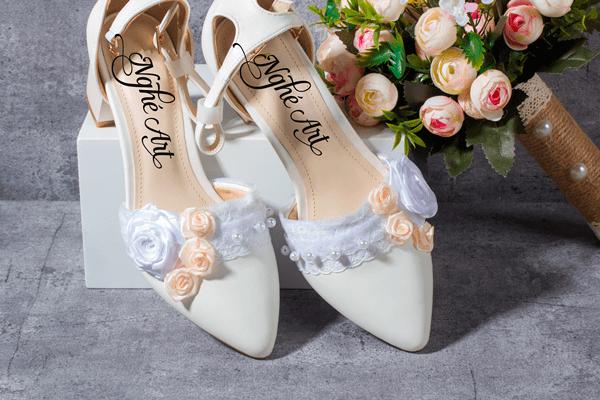 Giày cưới gót vuông hoa 153 - 6 phân