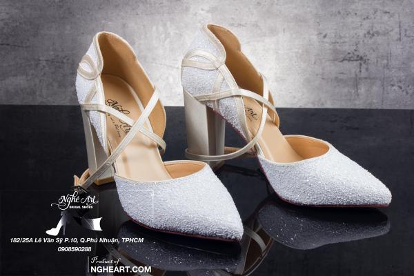 Giày cưới Nghé Art lụa satin kim tuyến trắng 182 - 9 phân