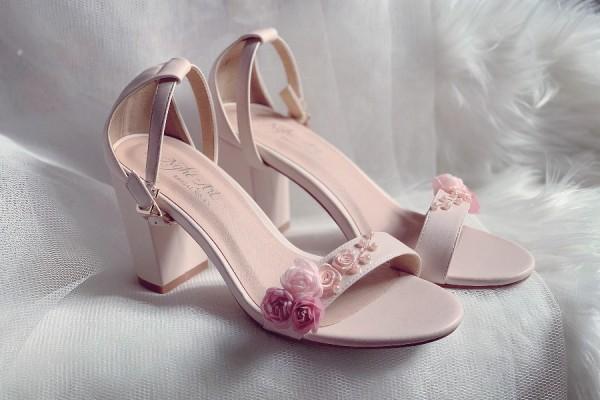 Giày cưới Nghé Art sandal nude hoa hồng ngọc trai 253 - 7 phân