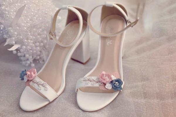 Giày cưới Nghé Art sandal hoa hồng xanh vintage 240 - 7 phân