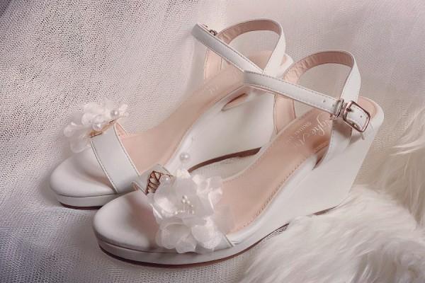 Giày cưới Nghé Art đế xuồng trắng 254 - 8 phân