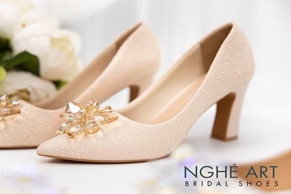 Giày cưới Nghé Art handmade ren kim tuyến nude hoa đá 321 - 7 phân