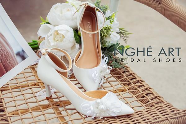 Giày cưới Nghé Art khoét eo đính nơ trắng 327 - 7 phân