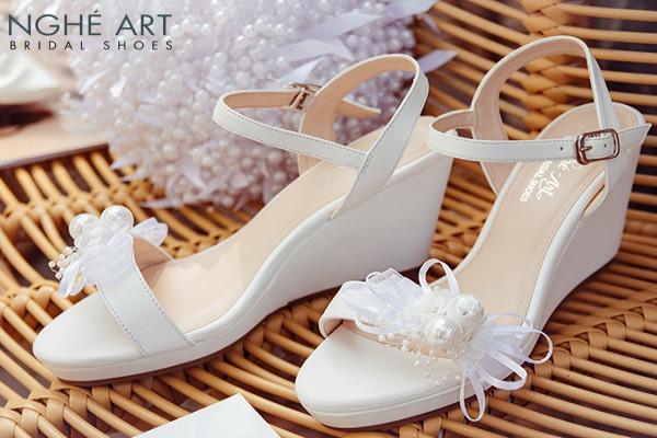 Giày cưới Nghé Art xuồng đính nơ trắng 329 - 8 phân gót xuồng