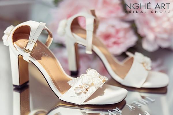 Giày cưới Nghé Art sandal hoa trắng 292 - 9 phân