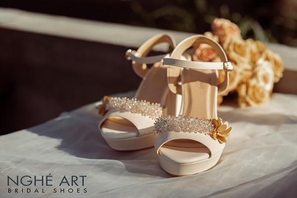Giày cưới Nghé Art cao gót đính hoa pha lê 341 - Nude