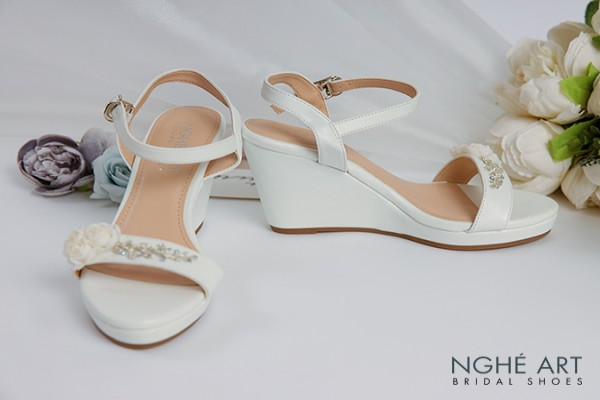 Giày cưới Nghé Art hoa trắng 348 đế xuồng - Trắng