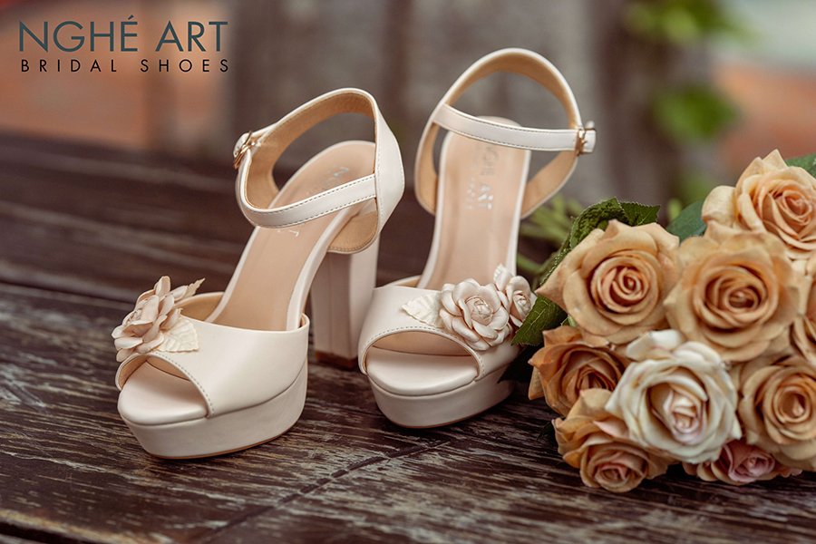 10 kiểu giày cao gót đẹp mà phụ nữ cần biết (P2) - Ảnh 7 -  Nghé Art Bridal Shoes – 0908590288