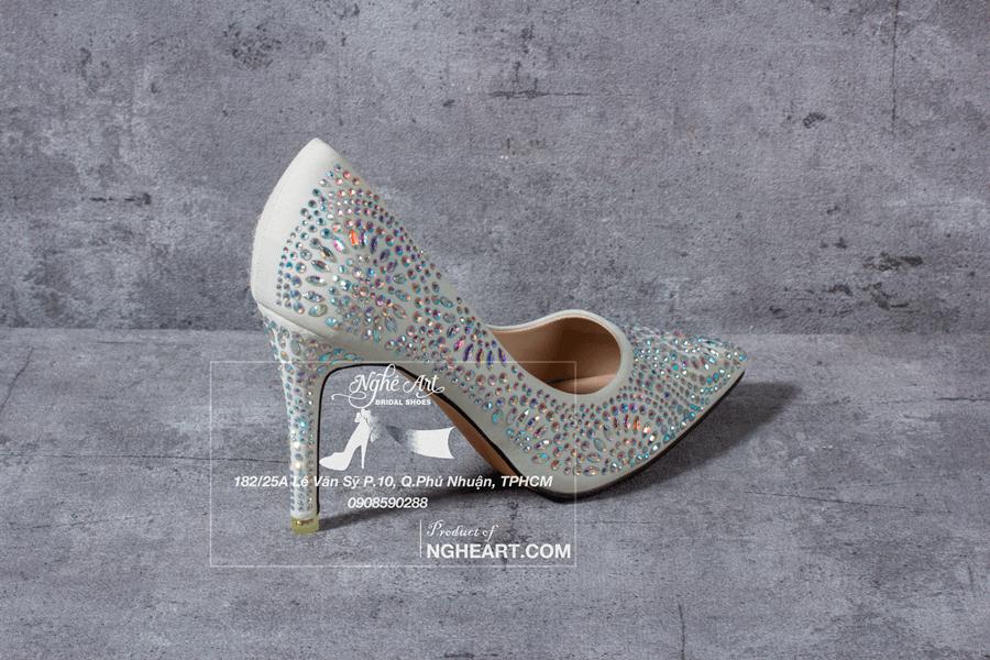 Giày cưới satin đính hạt 169 - Ảnh 1 -  Nghé Art Bridal Shoes – 0908590288