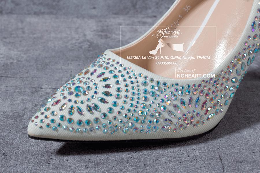 Giày cưới satin đính hạt 169 - Ảnh 5 -  Nghé Art Bridal Shoes – 0908590288