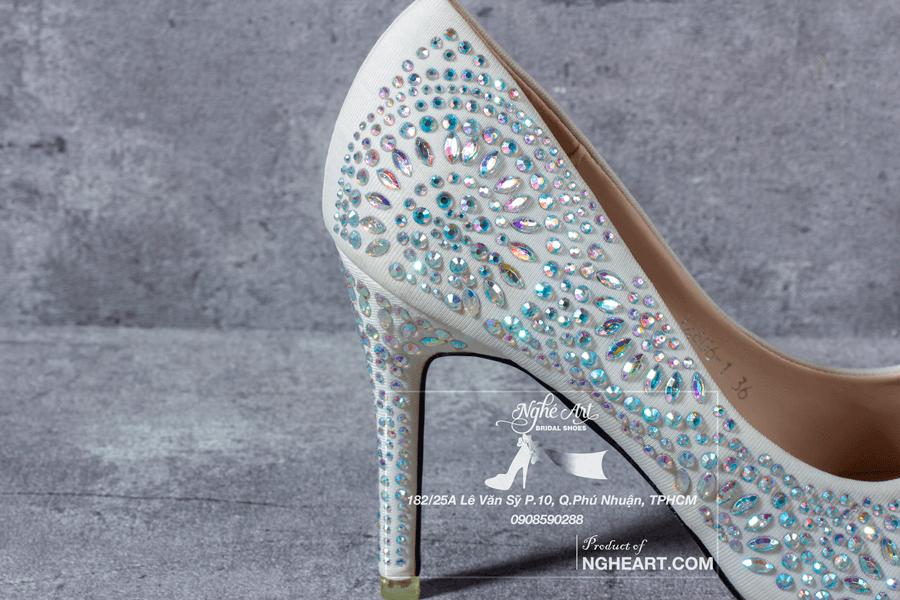 Giày cưới satin đính hạt 169 - Ảnh 6 -  Nghé Art Bridal Shoes – 0908590288
