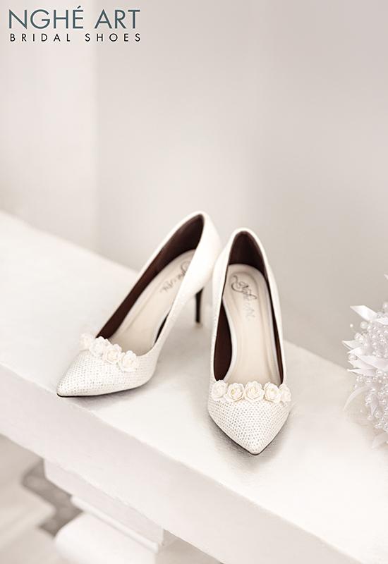 Giày cưới Nghé Art giày cưới kim tuyến hoa hồng lụa trắng 217 - Ảnh 4 -  Nghé Art Bridal Shoes – 0908590288