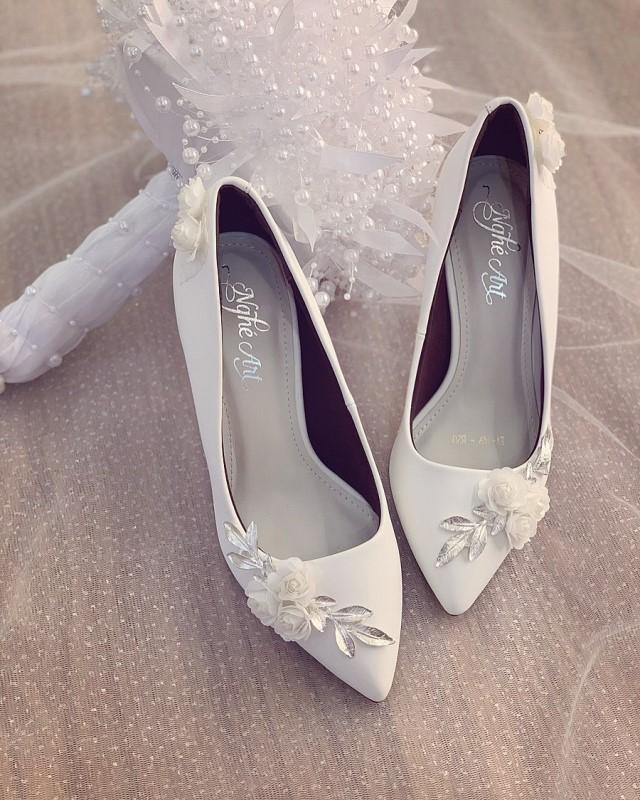 Giày cưới Nghé Art cao gót đính hoá lụa trắng 224 - Ảnh 3 -  Nghé Art Bridal Shoes – 0908590288