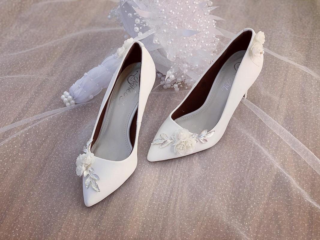 Giày cưới Nghé Art cao gót đính hoá lụa trắng 224 - Ảnh 4 -  Nghé Art Bridal Shoes – 0908590288