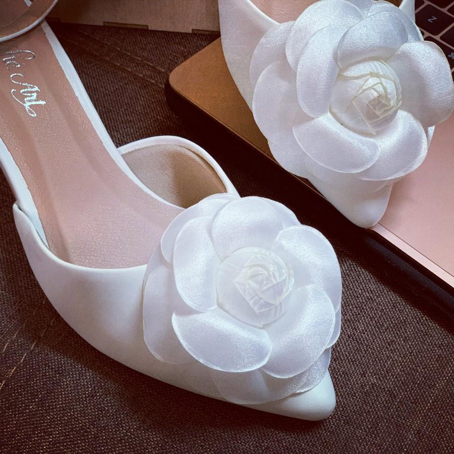 Giày cưới quai sandal gót vuông hoa hồng lụa pha voan 232 - Ảnh 1 -  Nghé Art Bridal Shoes – 0908590288