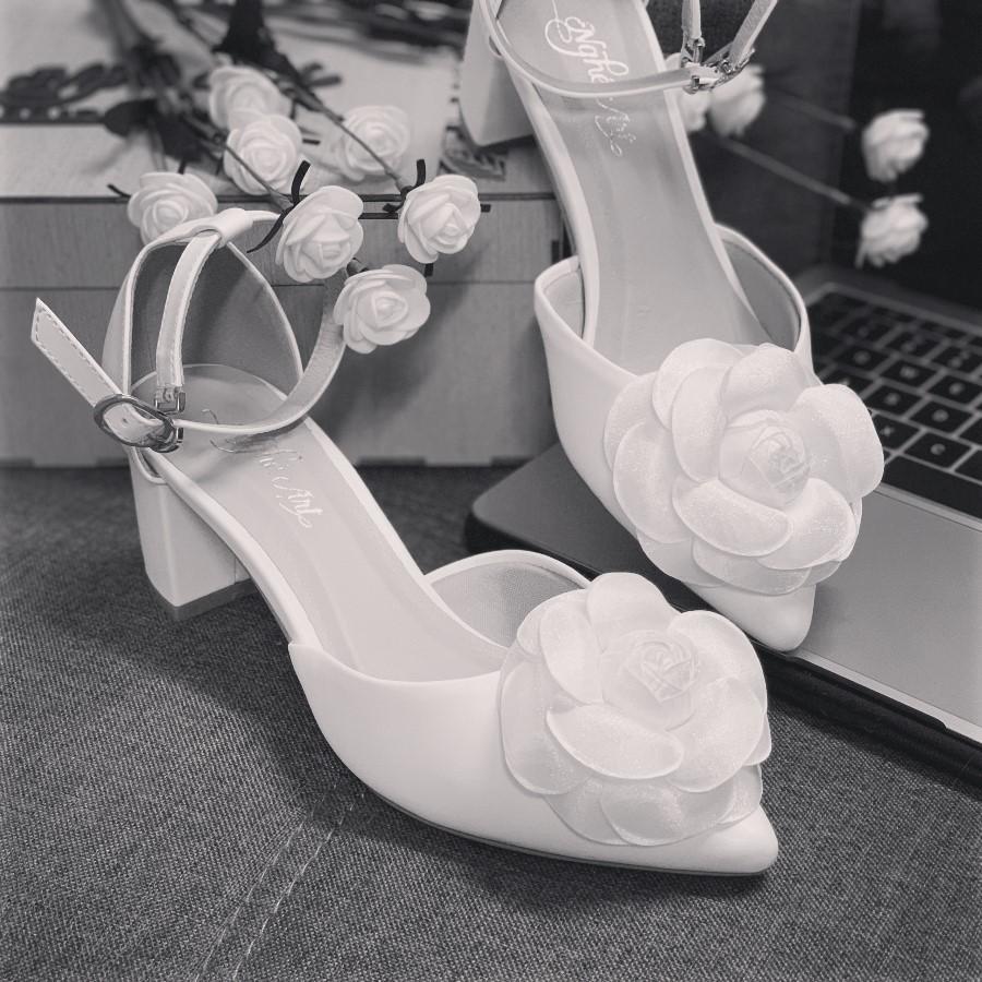 Giày cưới quai sandal gót vuông hoa hồng lụa pha voan 232 - Ảnh 3 -  Nghé Art Bridal Shoes – 0908590288