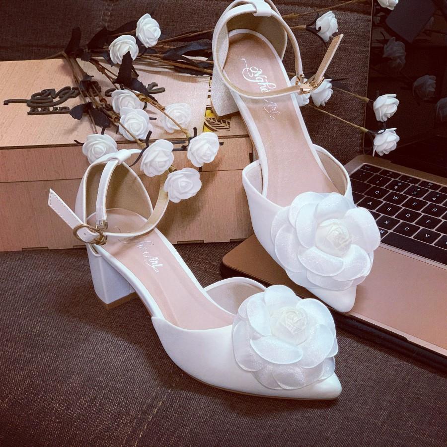 Giày cưới quai sandal gót vuông hoa hồng lụa pha voan 232 - Ảnh 4 -  Nghé Art Bridal Shoes – 0908590288