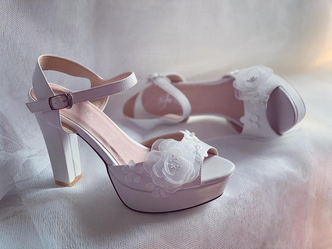 Giày cưới Nghé Art cao gót mũi đúp đính hoa 255 - Ảnh 3 -  Nghé Art Bridal Shoes – 0908590288