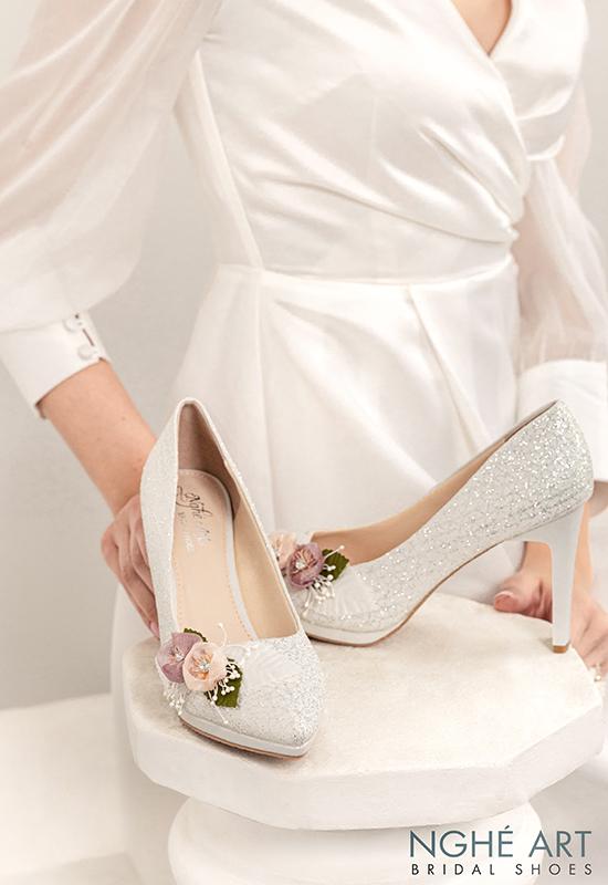 Giày cưới Nghé Art kim tuyến đính hoa bi trắng 307 - Ảnh 3 -  Nghé Art Bridal Shoes – 0908590288