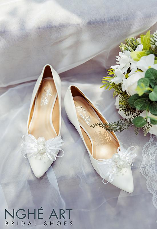 Giày cưới Nghé Art nơ gót vuông 4 phân trắng 326 - Ảnh 4 -  Nghé Art Bridal Shoes – 0908590288