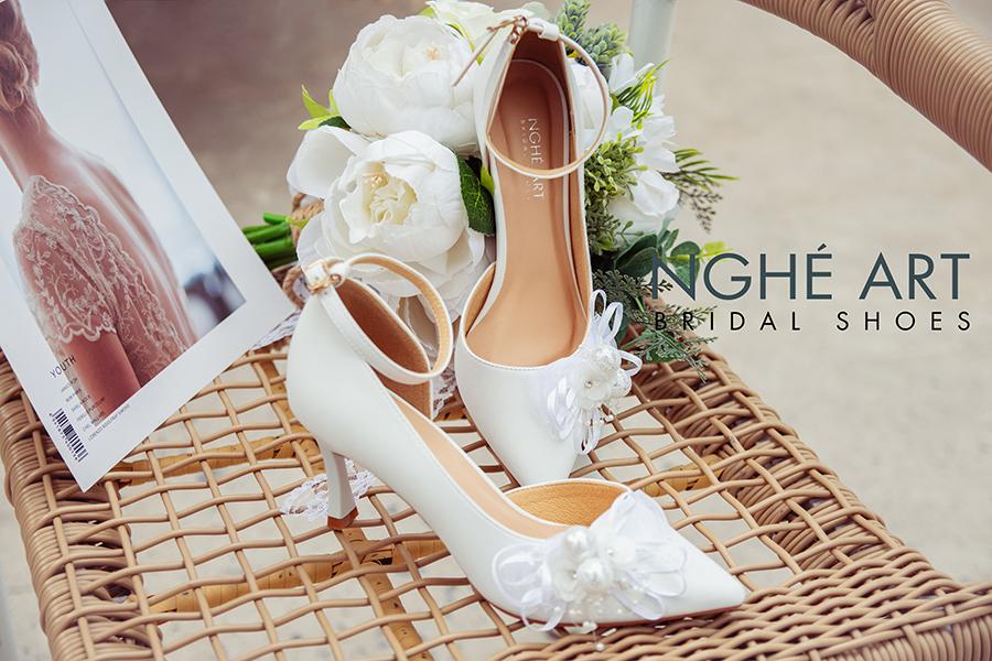 Giày cưới Nghé Art khoét eo đính nơ trắng 327 - Ảnh 1 -  Nghé Art Bridal Shoes – 0908590288