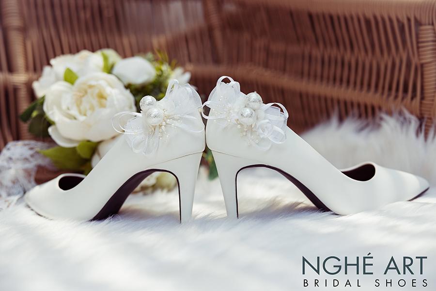 Giày cưới Nghé Art gót đính nơ màu trắng 328 - Ảnh 2  -  Nghé Art Bridal Shoes – 0908590288