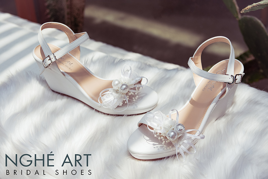 Giày cưới Nghé Art xuồng đính nơ trắng 329 - Ảnh 2 -  Nghé Art Bridal Shoes – 0908590288