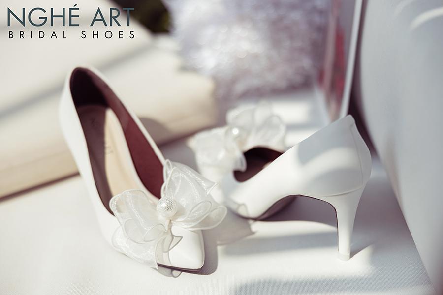 Giày cưới Nghé Art đính nơ voan ngọc trai 330 - Ảnh 1 -  Nghé Art Bridal Shoes – 0908590288