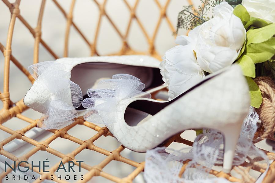 Giày cưới Nghé Art ren kim tuyến đính nơ 331 - Ảnh 1 -  Nghé Art Bridal Shoes – 0908590288