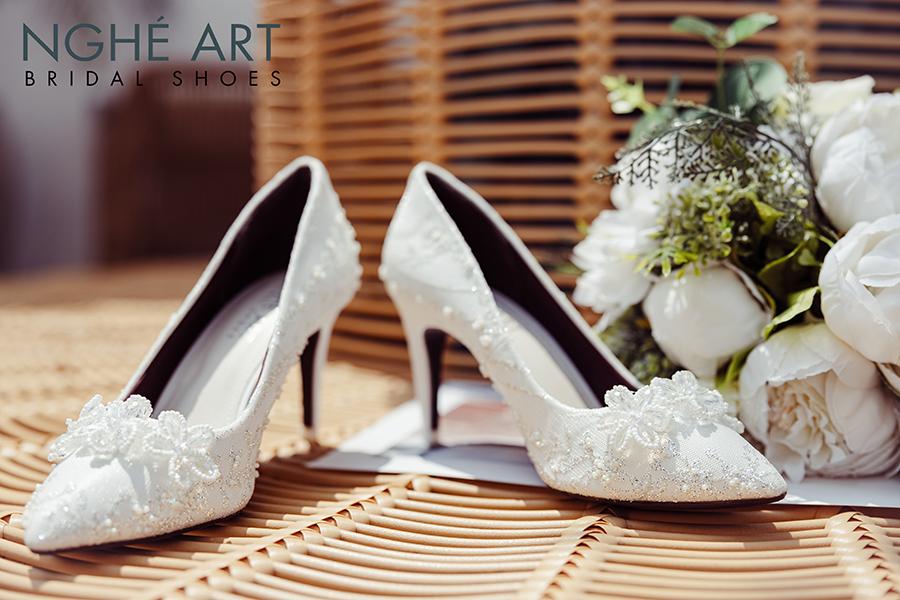 Giày cưới Nghé Art ren kim tuyến đính hoa đá 5 cánh 332 - Ảnh 1 -  Nghé Art Bridal Shoes – 0908590288