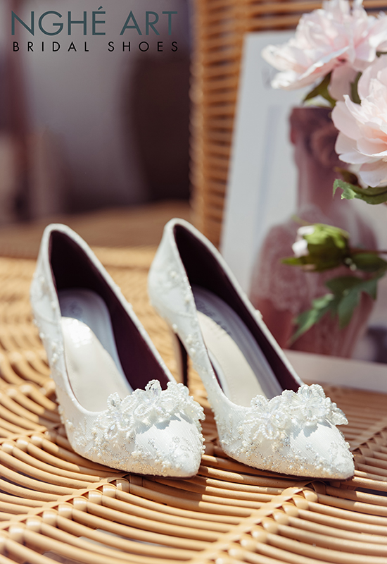 Giày cưới Nghé Art ren kim tuyến đính hoa đá 5 cánh 332 - Ảnh 3 -  Nghé Art Bridal Shoes – 0908590288
