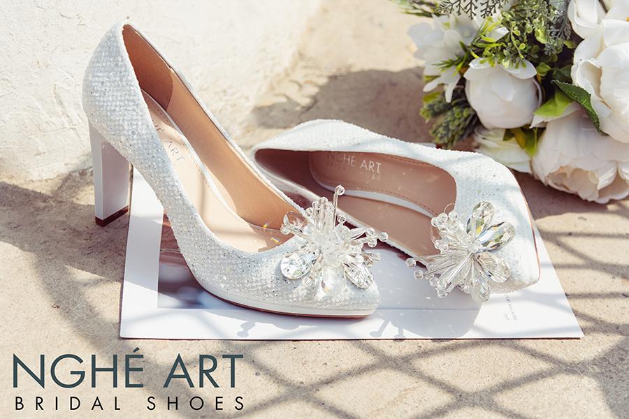Giày cưới Nghé Art ren kim sa đính hoa đá 333 - Ảnh 1 -  Nghé Art Bridal Shoes – 0908590288