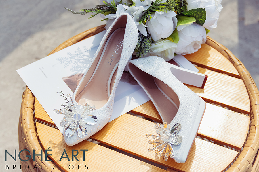 Giày cưới Nghé Art ren kim sa đính hoa đá 333 - Ảnh 2 -  Nghé Art Bridal Shoes – 0908590288