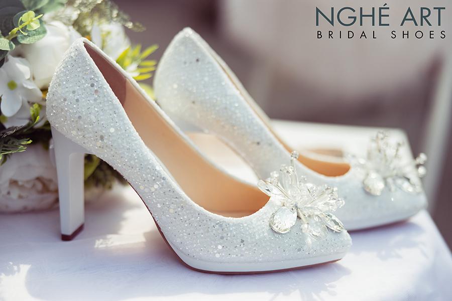 Giày cưới Nghé Art ren kim sa đính hoa đá 333 - Ảnh 5 -  Nghé Art Bridal Shoes – 0908590288