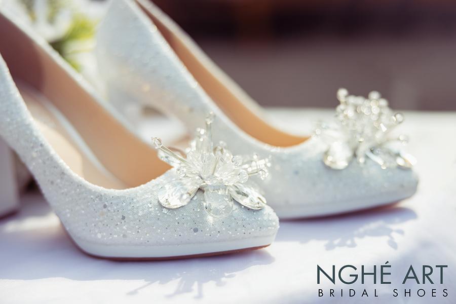 Giày cưới Nghé Art ren kim sa đính hoa đá 333 - Ảnh 6 -  Nghé Art Bridal Shoes – 0908590288