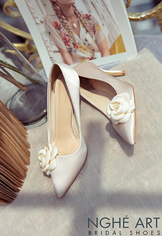 Giày cưới Nghé Art satin nude đính hoa lụa 334 - Ảnh 3 -  Nghé Art Bridal Shoes – 0908590288