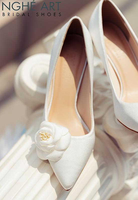 Giày cưới Nghé Art satin trắng đính hoa lụa 334 - Ảnh 5 -  Nghé Art Bridal Shoes – 0908590288