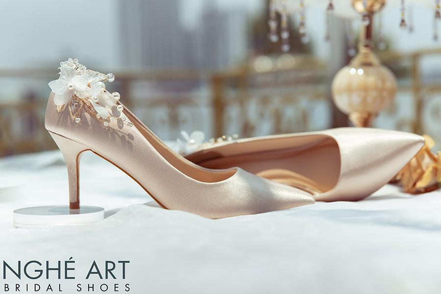 Giày cưới Nghé Art satin nude gót đính nhành hoa 337 - Ảnh 2 -  Nghé Art Bridal Shoes – 0908590288