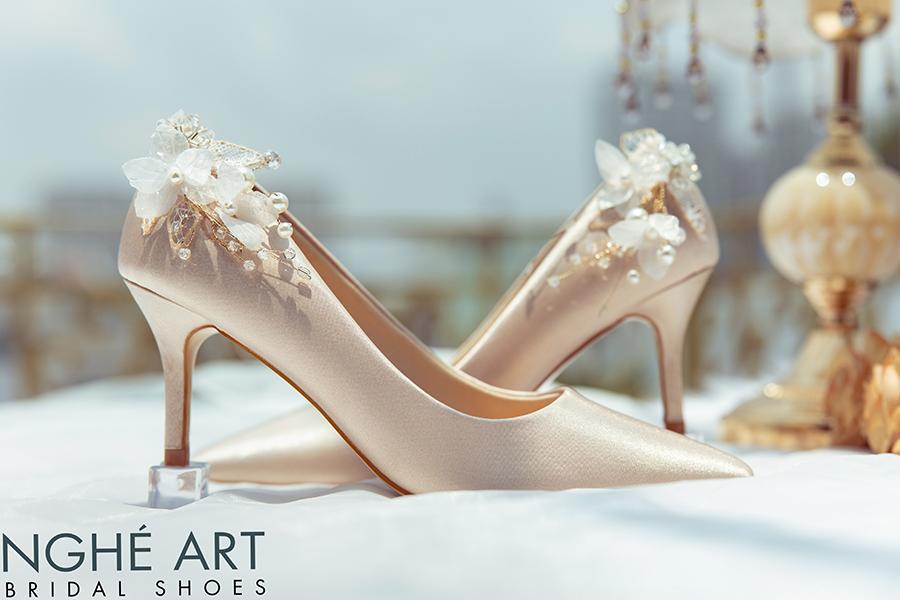 Giày cưới Nghé Art satin nude gót đính nhành hoa 337 - Ảnh 3 -  Nghé Art Bridal Shoes – 0908590288