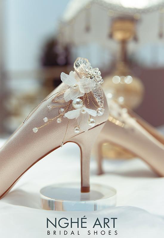 Giày cưới Nghé Art satin nude gót đính nhành hoa 337 - Ảnh 5 -  Nghé Art Bridal Shoes – 0908590288