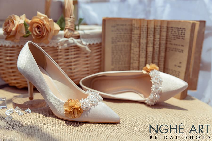 Giày cưới Nghé Art lụa satin nude đính hoa pha lê 339 - Ảnh 3 -  Nghé Art Bridal Shoes – 0908590288