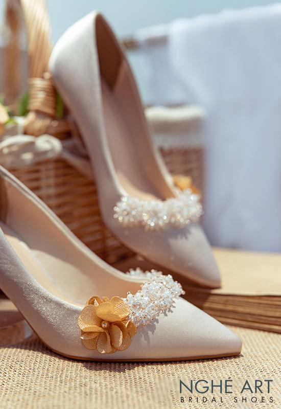 Giày cưới Nghé Art lụa satin nude đính hoa pha lê 339 - Ảnh 4 -  Nghé Art Bridal Shoes – 0908590288
