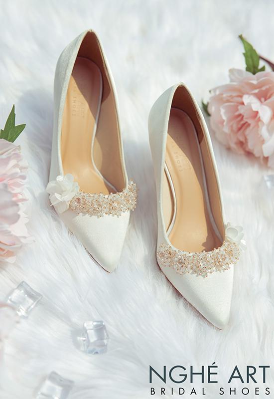 Giày cưới Nghé Art lụa satin trắng đính hoa pha lê 339 - Ảnh 6 -  Nghé Art Bridal Shoes – 0908590288