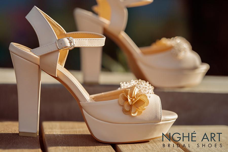 Giày cưới Nghé Art cao gót đính hoa pha lê 341 nude - Ảnh 3 -  Nghé Art Bridal Shoes – 0908590288